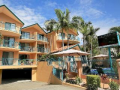 Karana Palms Self Contained Apartments