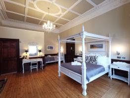 The Haymarket Lairg Hotel